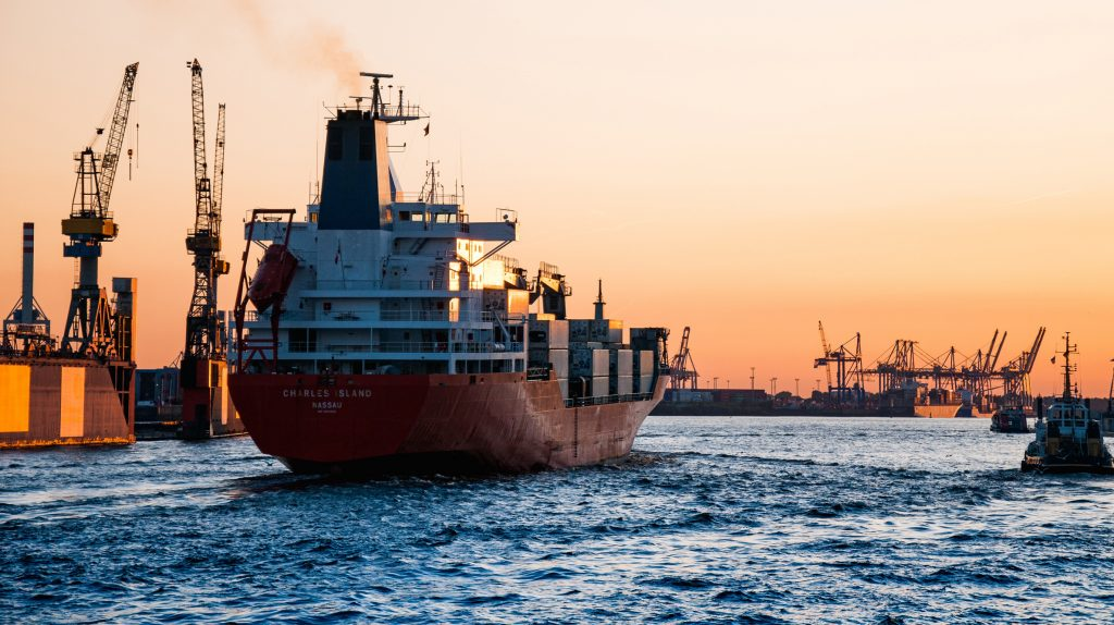 Liquid ammonia as shipping fuel